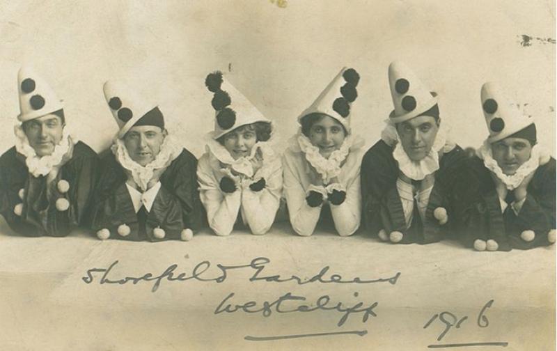 Pierrot clowns